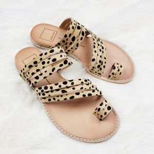 Dolce Vita| Nelly Leopard Calf Hair Flat Sandals